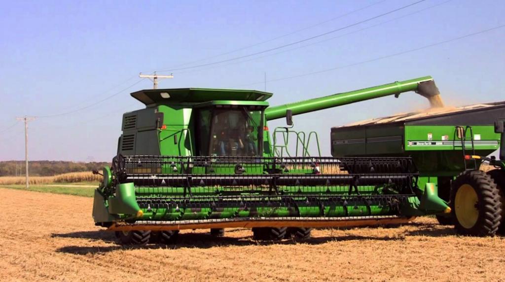 Преимущества и недостатки использования зерноуборочных комбайнов Джон Дир