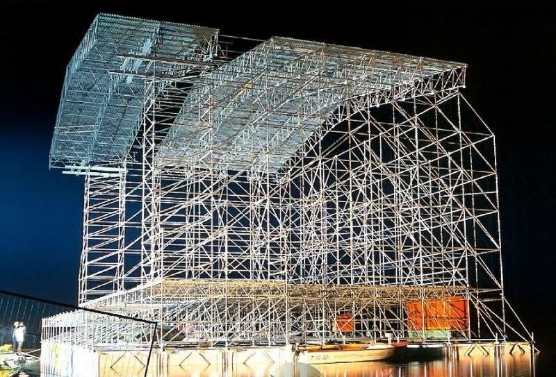 Модульные строительные леса — универсальное решение для сложных и закругленных фасадов