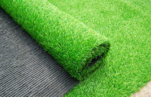Оформление пола искусственной травой